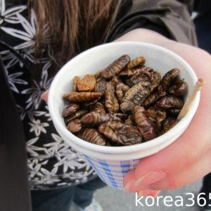 Испытание корейской едой